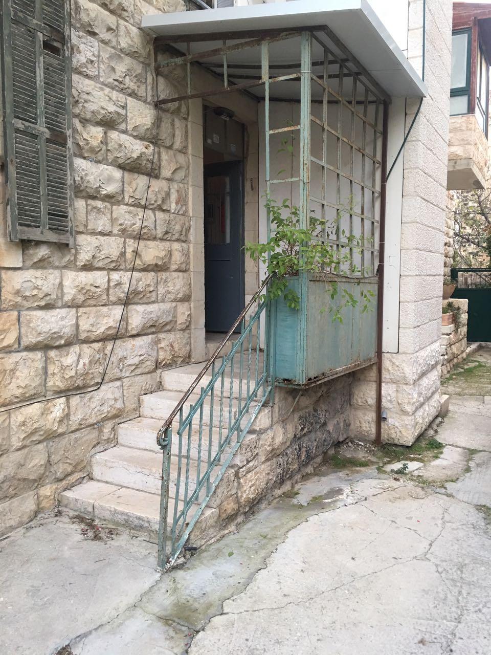 בבקעה בבניין ערבי אותנטי
