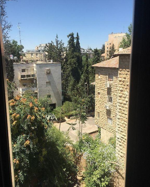 בקריית שמואל הקלאסית השקטה והפסטורלית